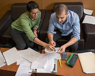20121019-ENCS-students-studying-018-303x242