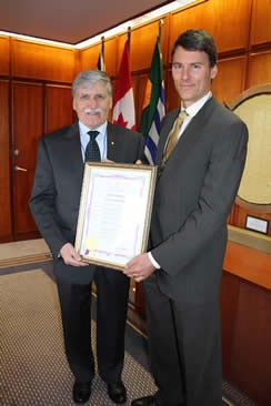 W2I projct - romeo dallaire and Vancouver mayor gregor robertson