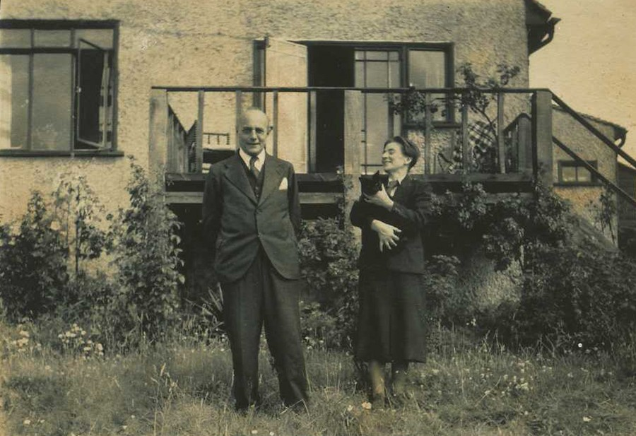 Karl Polanyi and Ilona Duczynska. Kinswiew, Kent, United Kingdom, 1939 (Kari Polanyi Levitt)