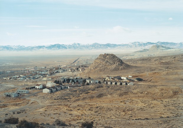 "(Untitled), Houses 2007, Wendover, UT, chromogenic print, 39"" x 55"". Courtesy of the artist"