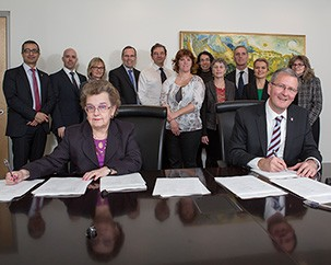 Concordia and CULEU sign collective agreement