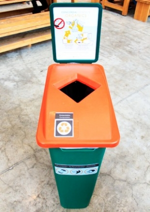 The campaign is bringing more compost bins to Concordia campus locations near you.