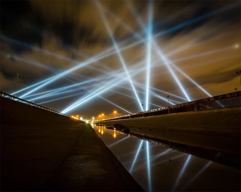 Artist and Concordia grad Rafael Lozano-Hemmer shines a light on the U.S.-Mexico border
