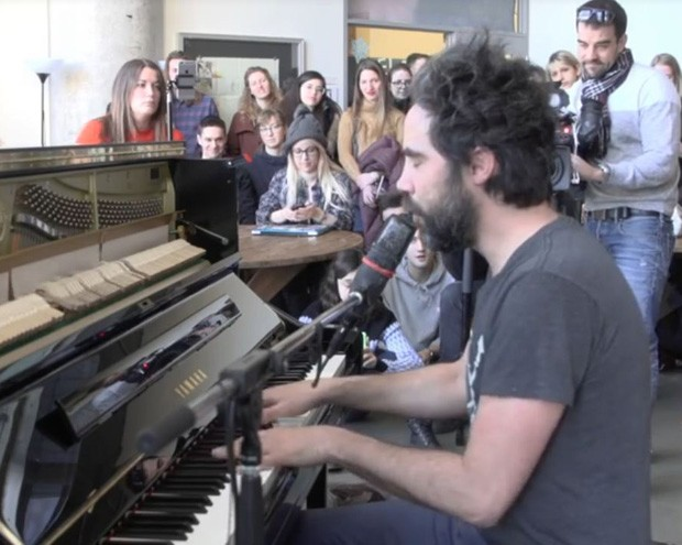 Patrick Watson plays at Concordia